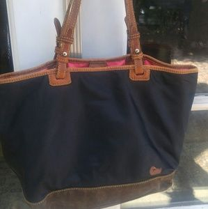 Dooney 11and Bourke shoulder bag